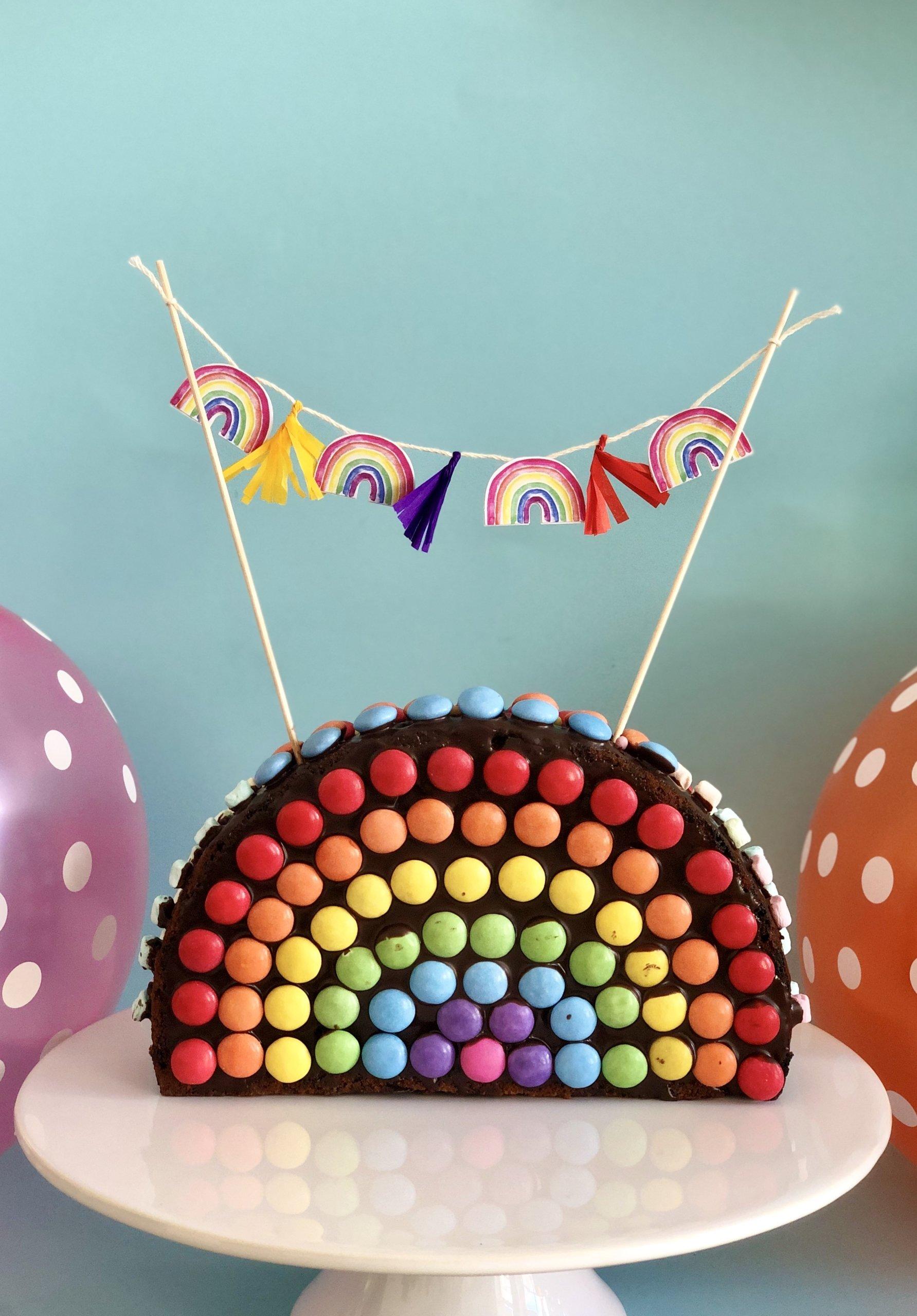 Regenbogenkuchen aus Schokolade